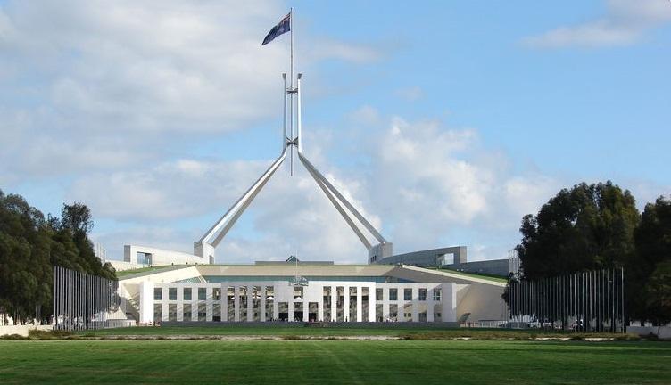 Canberra  là một trong rất ít thành phố ở Úc có bốn mùa khác nhau . Đây là thành phố lý tưởng cho những hoạt động dã ngoại ngoài trời.