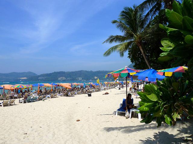 Nên mua vé máy bay đi Phuket ở đâu?