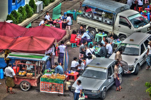 Yangon - nét đẹp thanh bình đầy mê hoặc
