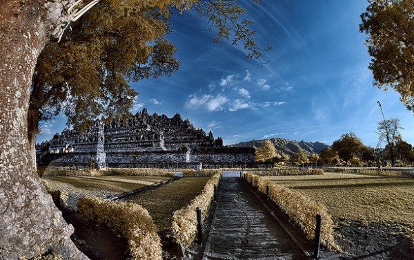 Thăm di sản kiến trúc ở cố đô Yogyakarta