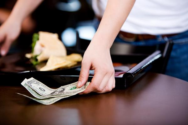 Những lưu ý về văn hóa tiền tip ở Mỹ