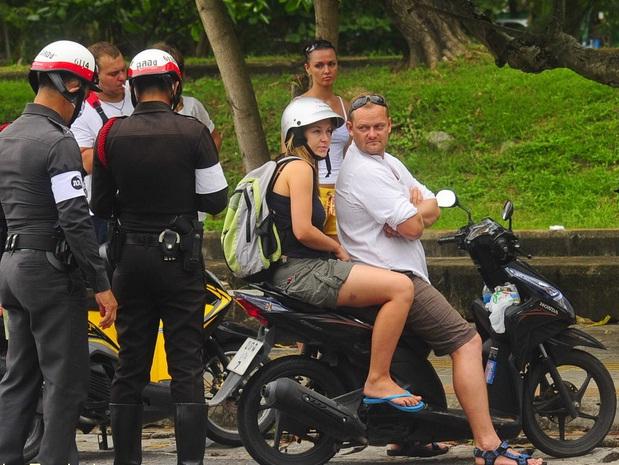 Kinh nghiệm thuê xe máy vi vu Phuket