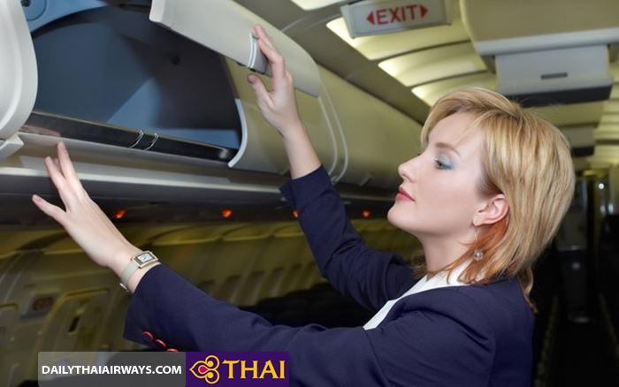 Để hành lý xách tay Thai Airways lên khoang hành lý
